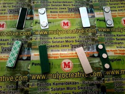 Pesan magnet nama jual magnet nama mata dua pesan name tag papan nama