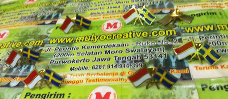 Pin Bendera Negara Indonesia Swedia