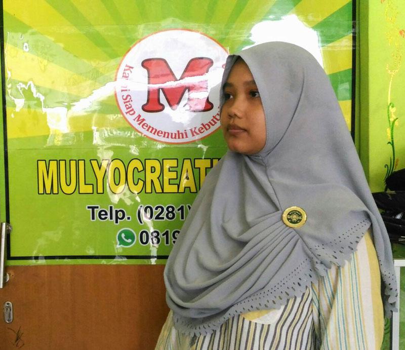 Pemakaian Pin Lencana Muslimat NU