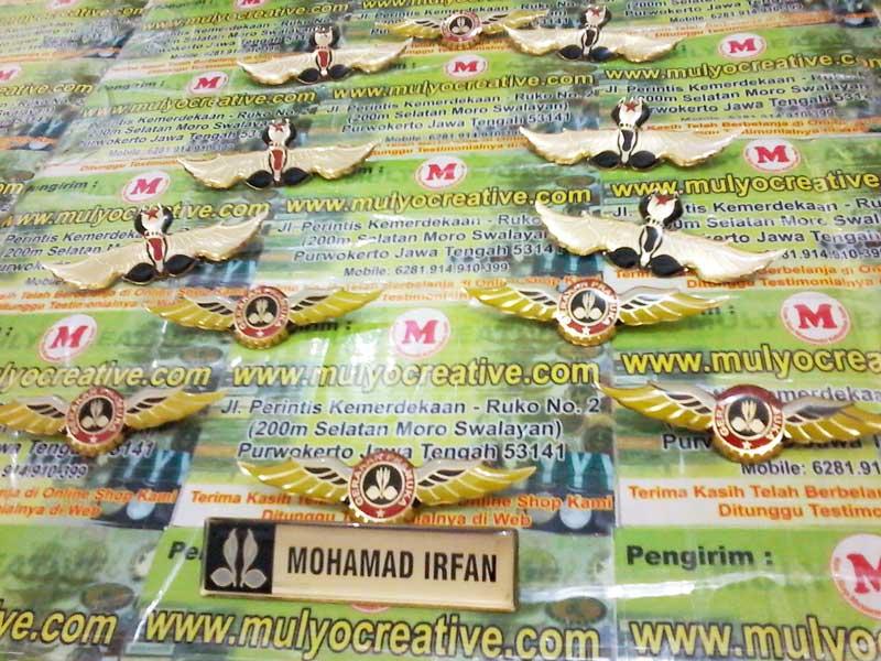 Lencana Wing Pramuka dan Nametag Pramuka