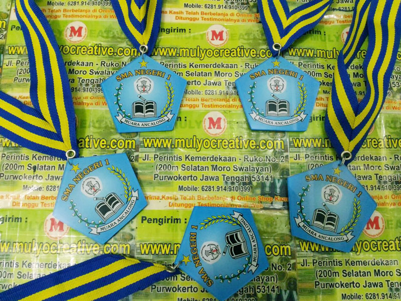 Medali Wisuda SMA Negeri 1 Muara Ancalong