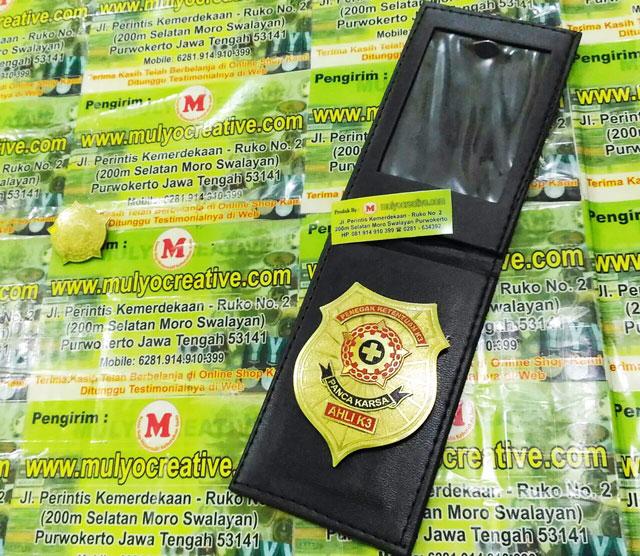 Lencana K3 Penegak Panca Karsa + Dompet + Kalung