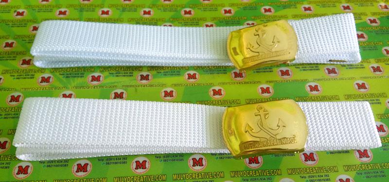 Sabuk Sekolah Nautika Kapal Niaha, terbuat dari bahan nilon warna putih