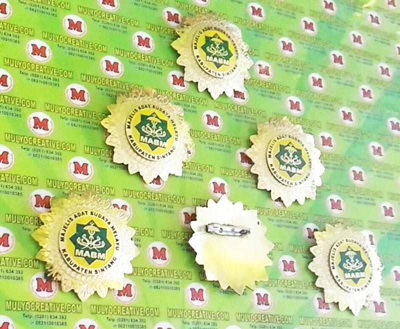 Logo Majelis Adat Budaya Melayu Kalimantan Barat Desain Pin Lencana