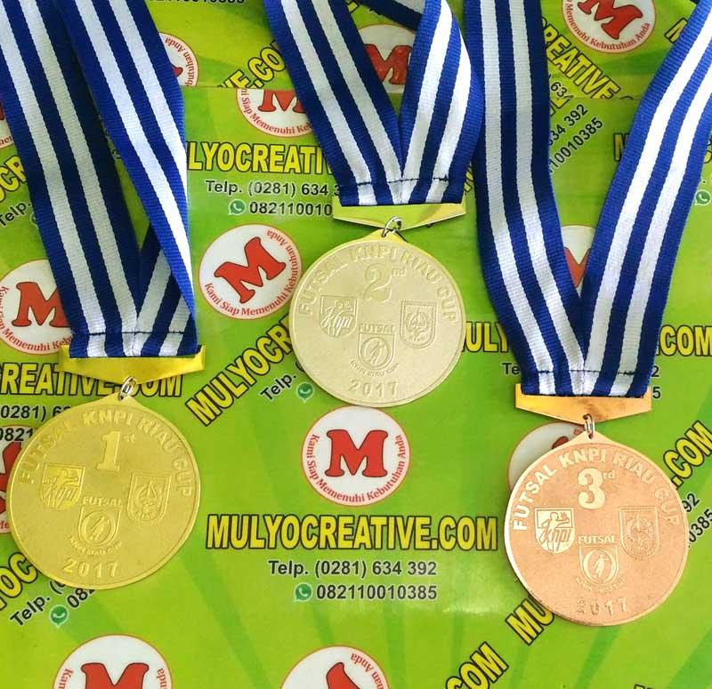 Pita dan Medali Kejuaraan Futsal Riau