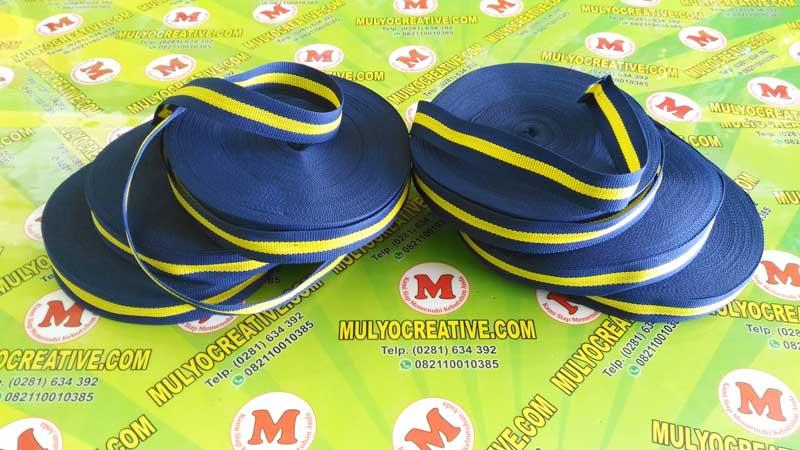 Pita Medali Warna Biru, Kuning
