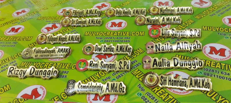 Papan Nama Dada yang umumnya digunakan di bidang Kesehatan