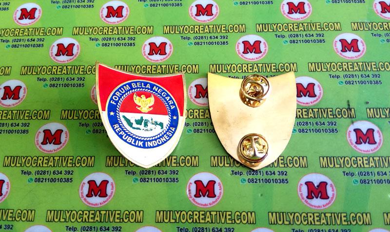 Pesan Pin Lencana Bela Negara, terbuat dari logam kuningan dengan pengait Jepit Paku bentuk Kupu-kupu di Mulyocreative.com sekarang juga